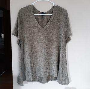 Gap flowy metallic tee shirt size large v neck